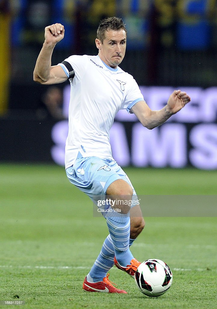 <a gi-track='captionPersonalityLinkClicked' href=/galleries/search?phrase=Miroslav+Klose&family=editorial&specificpeople=206489 ng-click='$event.stopPropagation()'>Miroslav Klose</a> of S.S. Lazio in action during the Serie A match between FC Internazionale Milano and S.S. Lazio at San Siro Stadium on May 8, 2013 in Milan, Italy.