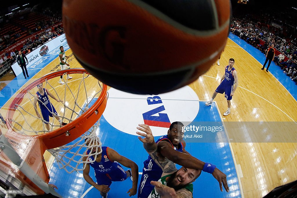 Miroslav Raduljica #10 of Panathinaikos Athens competes with Bryant Dunston #42 of Anadolu Efes Istanbul during the 20152016 Turkish Airlines...