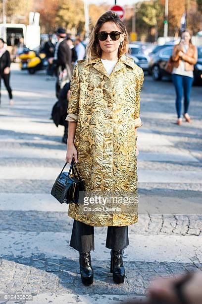 Miroslava Duma attends Chanel show on day 8 of Paris Womens Fashion Week Spring/Summer 2017 on October 4 2016 in Paris France