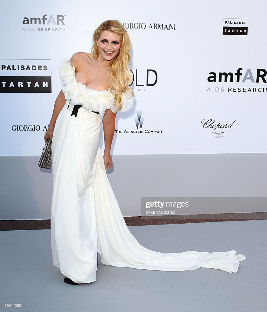 Mischa Barton arrives at amfAR's Cinema Against AIDS 2010 benefit gala at the Hotel du Cap on May 20, 2010 in Antibes, France.