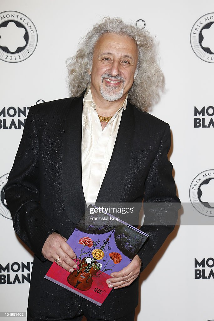 Mischa Maisky attends the PRIX Montblanc 2012 at the 'Konzerthaus am Gendarmenmarkt' on October 29, 2012 in Berlin, Germany.