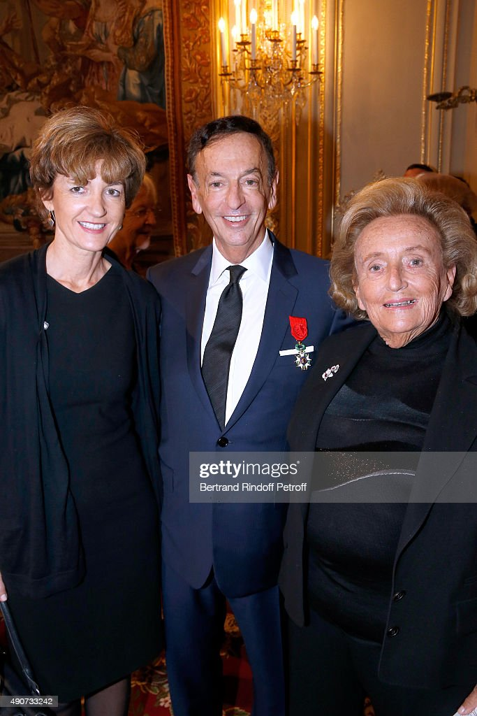 Miss Alain Juppe (Isabelle), Jean-Paul Claverie and <a gi-track='captionPersonalityLinkClicked' href=/galleries/search?phrase=Bernadette+Chirac&family=editorial&specificpeople=206432 ng-click='$event.stopPropagation()'>Bernadette Chirac</a> attend Director of sponsorship LVMH Jean-Paul Claverie receives Insignia of Officer of the Legion of Honor at Elysee Palace on September 30, 2015 in Paris, France.