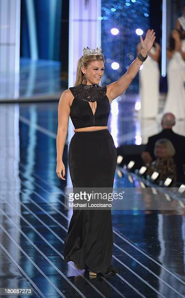 Miss America 2013 Miss America Mallory Hagan appears in the Miss America Competition at Boardwalk Hall Arena on September 15 2013 in Atlantic City...