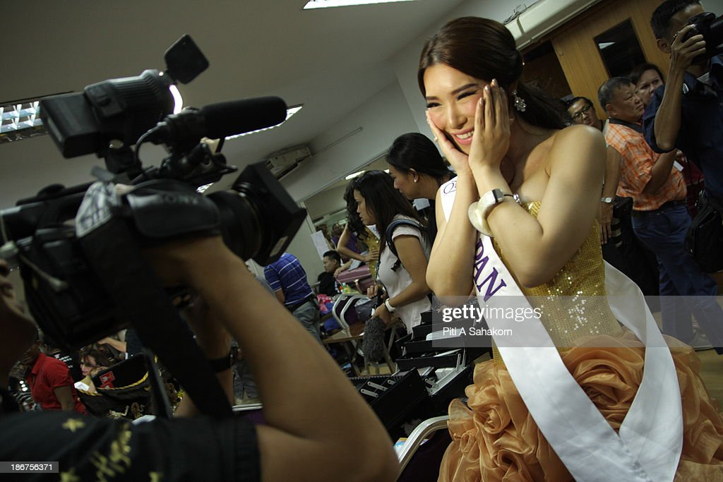 Miss Annabel Yu from Japan posing for the media in the transvestite and transgender beauty pageant Miss International Queen 2013 at Tiffany's Show theatre in Pattaya city. Twenty-five contestants from 17 countries are participating in the event, which is endowed with prize money of 300,000 Thai baht (10,000 US dollars), a crown with real gems and a free surgery at a plastic surgery clinic in Bangkok..