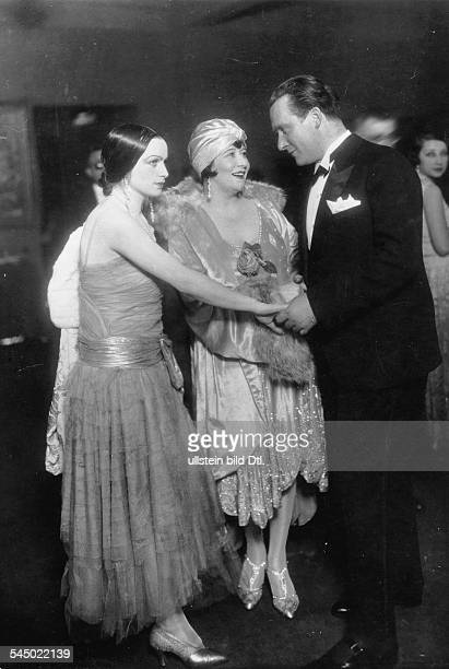 Miss Carell actress Trude Hesterberg and painter Bruno Krauskopf on the ball of the Berliner Secession Picture by Zander Labisch 1928