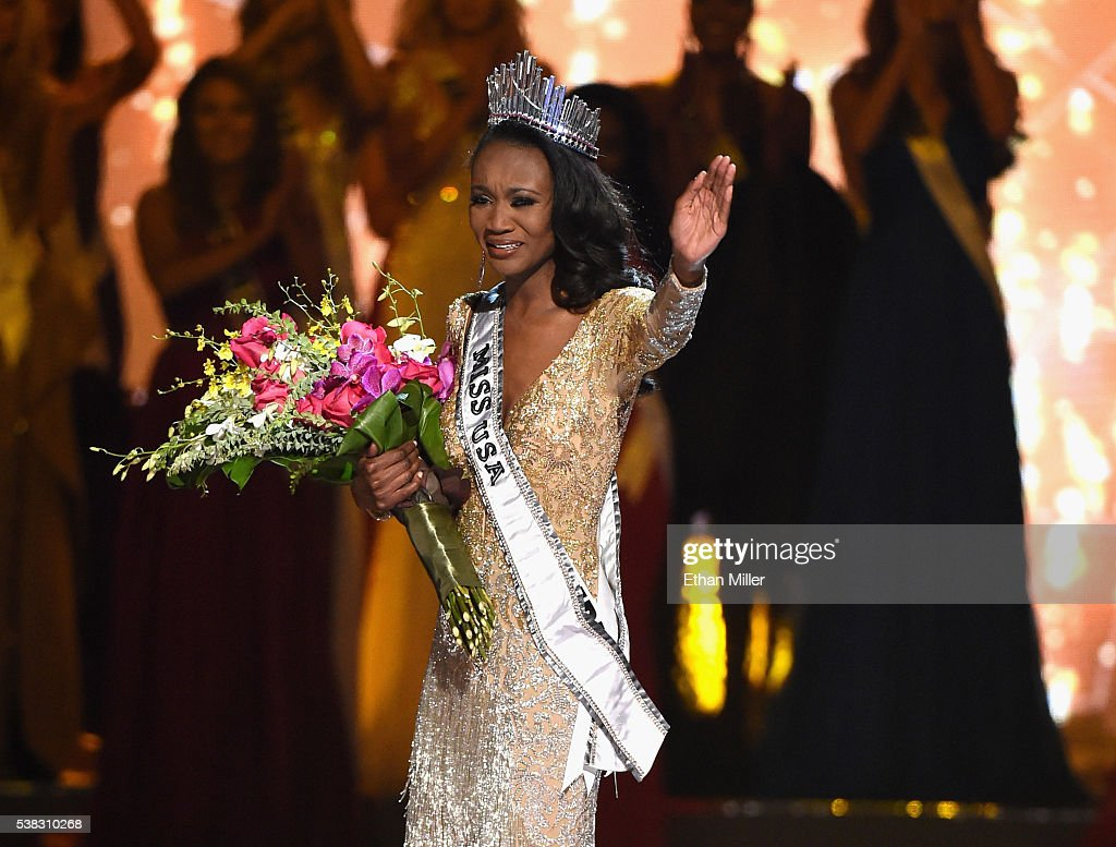 Deshauna Barber - Deshauna Barber (USA 2016) Miss-district-of-columbia-usa-2016-deshauna-barber-reacts-as-she-is-picture-id538310268