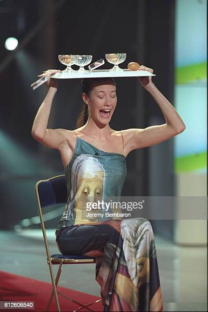 Miss France 1999 Mareva Galantier trying out a perilous trick