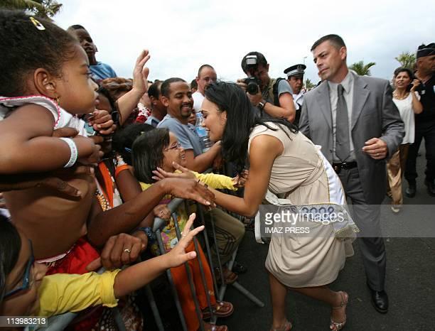 Miss France 2008 Valerie Begue arrived in her native island La Reunion on December 20 2007Saint Denis de La Reunion Valerie Begue Miss Reunion 2007...