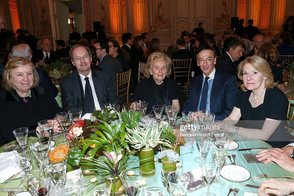 Miss Francois Pinault (Maryvonne), Academician Jean-Marie Rouart, <a gi-track='captionPersonalityLinkClicked' href=/galleries/search?phrase=Bernadette+Chirac&family=editorial&specificpeople=206432 ng-click='$event.stopPropagation()'>Bernadette Chirac</a>, Jean-Paul Claverie and President of the Versailles Castle, Catherine Pegard attend the 'Societe des Amis du Musee D'Orsay' : Dinner and Private tour of the Exhibition 'Le Douanier Rousseau - L'innocence archaique'. Held at Musee d'Orsay on April 4, 2016 in Paris, France.