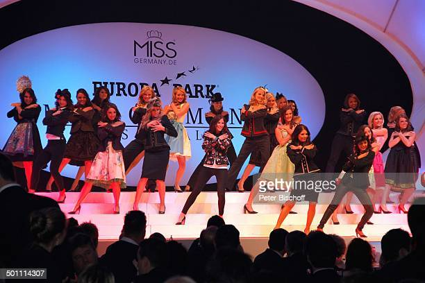 Miss GermanyKandidatinen 'Miss Germany'Wahl 2011 'Europa Park' Rust bei Freiburg BadenWürttemberg Deutschland Europa Bühne Auftritt Finale Tracht...