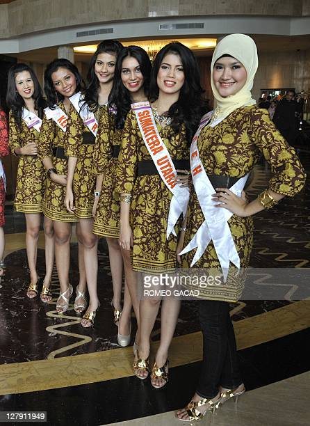 Miss Indonesia 2011 contestants Lisyaannurrahmi from Aceh Sabrina Chairunnisa from North Sumatra Icha from West Sumatra Deby Komala Sari from Riau...