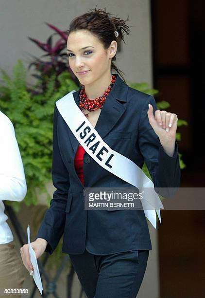 Miss Israel Gal Gadot waves to photographers 13 May 2004 in Quito The Miss Universe 2004 contest will take place 01 June 2004 AFP PHOTO/Martin...