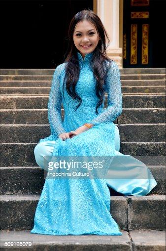 Miss long dress (Ao dai Vietnam)