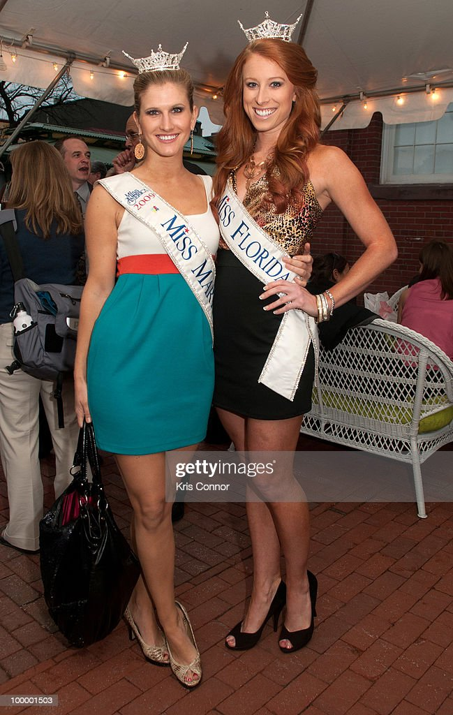 Miss Maryland Brooke Poklemba (L) and Miss Florida Rachael Todd pose for photographers during the America's Everglades Summit to Unite Conservation celebration at Eastern Market on May 19, 2010 in Washington, DC.