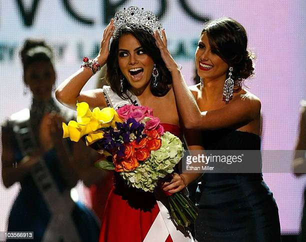 Miss Mexico 2010 Jimena Navarrete reacts as she is crowned the 2010 Miss Universe by 2009 Miss Universe Stefania Fernandez during the 2010 Miss...