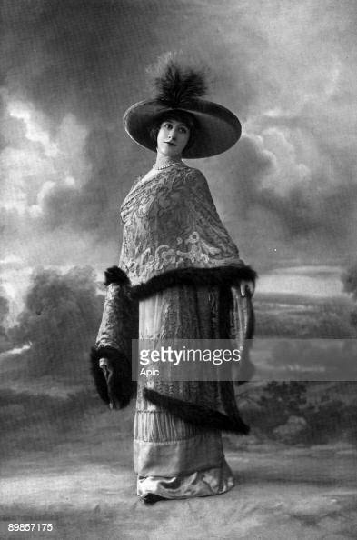 Miss Mornand of the role of Suzette in the play A woman went to the theater of the extracted revival of 'The Theater' in April 1910