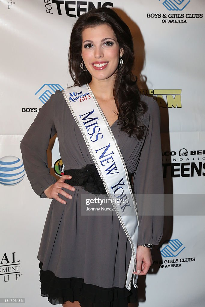 Miss New York Amanda Mason attends 'The Stream' Premiere at Regal Union Square Theatre, Stadium 14 on October 15, 2013 in New York City.