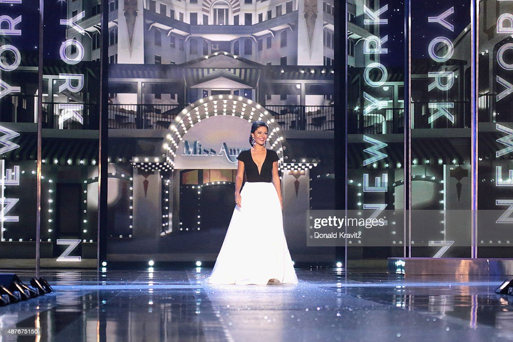 Miss New York Jamie Lynn Macchia attends the Thursday Night Preliminaries 2016 Miss America Competition at Atlantic City Boardwalk Hall on September...