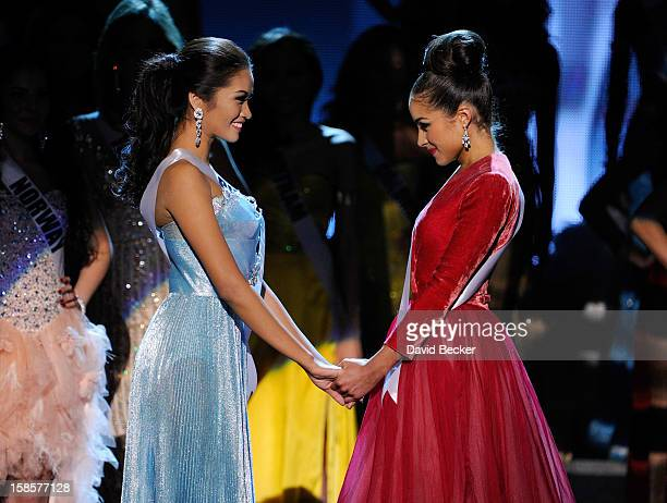 Miss Philippines 2012 Janine Tugonon and Miss USA 2012 Olivia Culpo wait for the judges' final decision during the 2012 Miss Universe Pageant at PH...