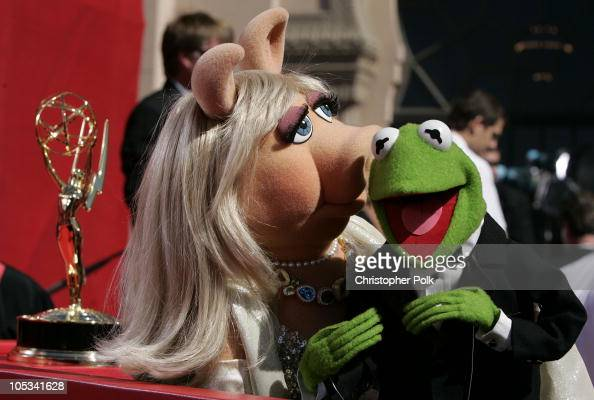 Miss Piggy and Kermit the Frog during the preshow