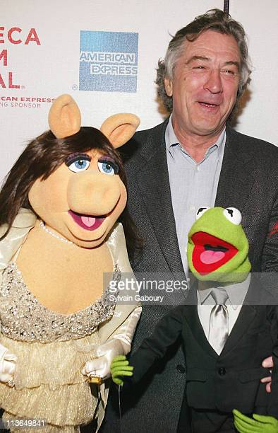 Miss Piggy Robert De Niro Kermit the Frog during Robert De Niro joined the Muppets at the premiere of 'The Muppets' Wizard of Oz' at the Tribeca...