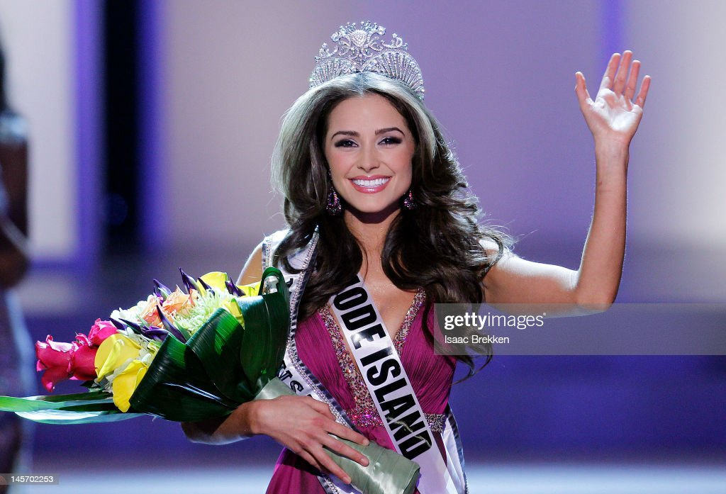 Miss Rhode Island USA Olivia Culpo waves to the crowd after winning the 2012 Miss USA pageant at the Planet Hollywood Resort & Casino on June 3, 2012 in Las Vegas, Nevada.