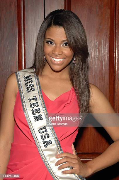 Miss Teen USA Kamie Crawford attends the Reach Out and Read of Greater New York 2011 benefit at Bridgewaters on May 16 2011 in New York City
