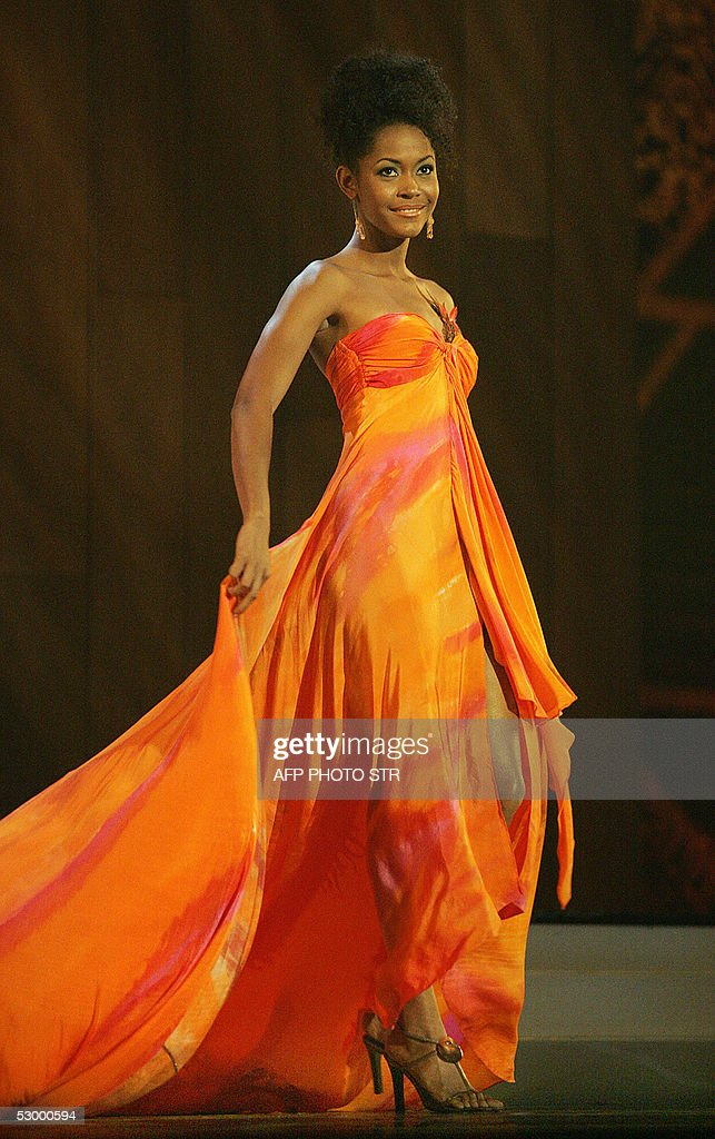 Miss Trinidad & Tobago Magdalene Walcott during the final event of the Miss Universe 2005 in Bangkok, 31 May 2005. Miss Canada Natalie Glebova won the competition and was crowned Miss Universe 2005 by Miss Universe 2004, Jennifer Hawkins from Australia. AFP PHOTO/RUNGROJ YONGRIT/POOL