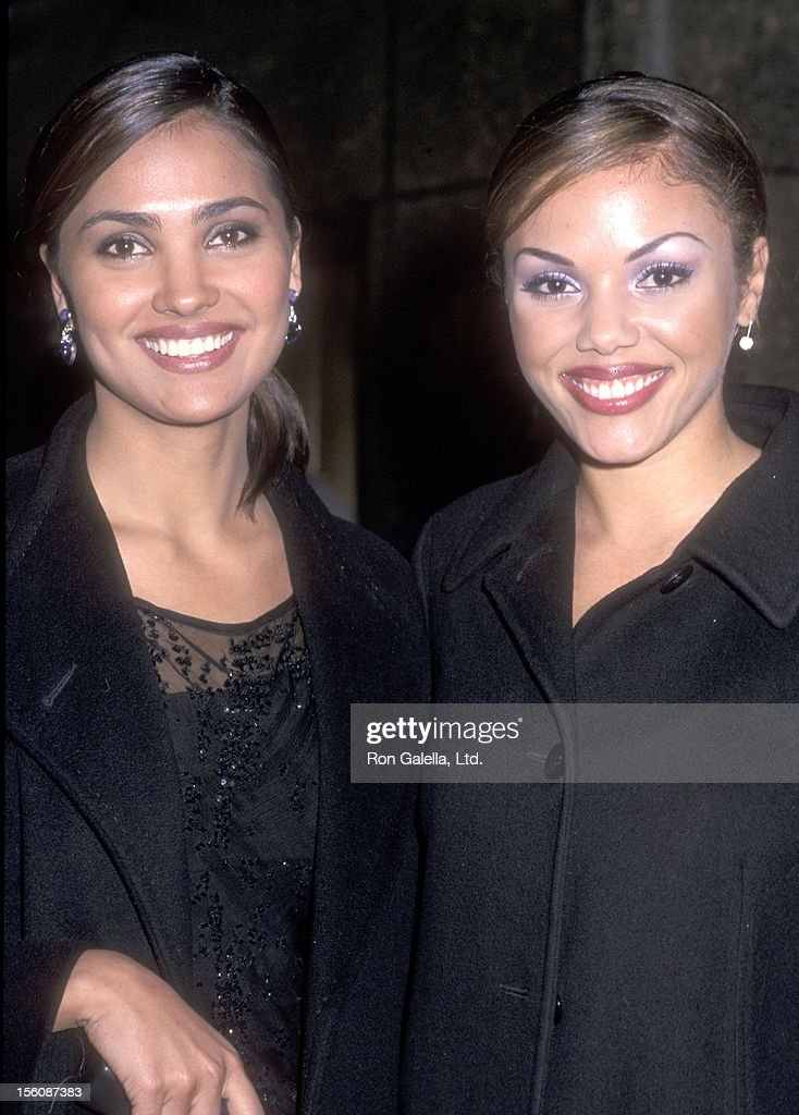 Miss Universe 2000 <a gi-track='captionPersonalityLinkClicked' href=/galleries/search?phrase=Lara+Dutta&family=editorial&specificpeople=728080 ng-click='$event.stopPropagation()'>Lara Dutta</a> and Miss USA Lynette Cole attend the Fifth Annual New York Magazine Awards on December 4, 2000 at Studio 8H, Rockefeller Plaza in New York City.