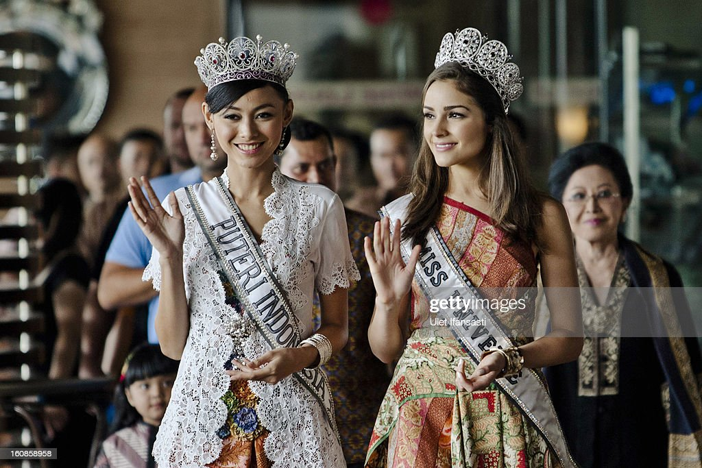 Miss Universe 2012, <a gi-track='captionPersonalityLinkClicked' href=/galleries/search?phrase=Olivia+Culpo&family=editorial&specificpeople=9194131 ng-click='$event.stopPropagation()'>Olivia Culpo</a> (L), and newly-crowned Puteri Indonesia 2013 Whulandary (R), attend a press conference at the Sheraton hotel on February 7, 2013 in Yogyakarta, Indonesia. <a gi-track='captionPersonalityLinkClicked' href=/galleries/search?phrase=Olivia+Culpo&family=editorial&specificpeople=9194131 ng-click='$event.stopPropagation()'>Olivia Culpo</a>, a beauty pageant contestant from the United States, was crowned Miss Universe in 2012.