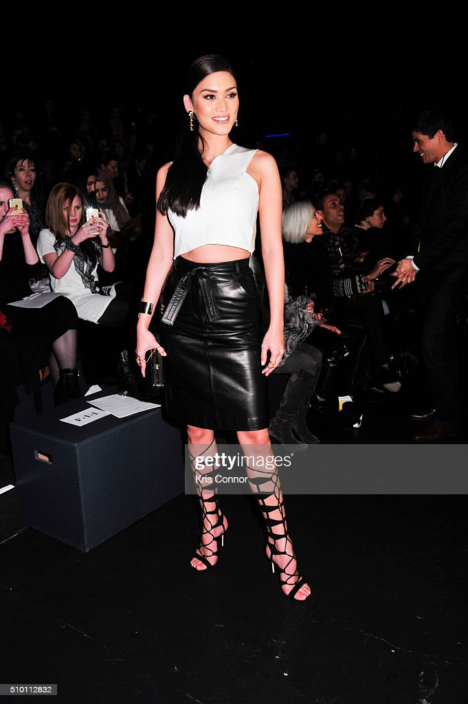 Monique Lhuillier - Front Row & Backstage - Fall 2016 New York Fashion Week: The Shows