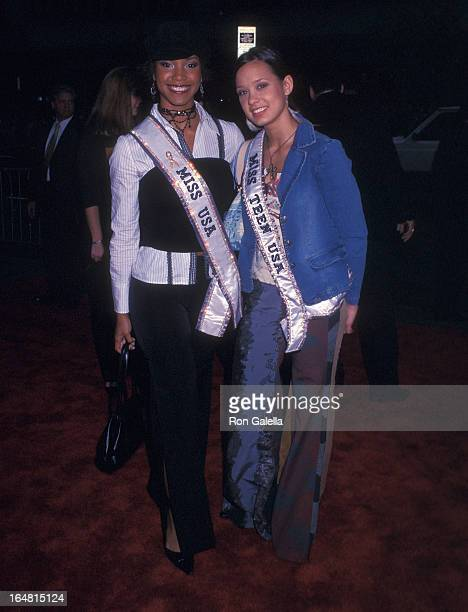 Miss USA 2002 Shauntay Hinton and Miss Teen USA Vanessa Semrow attend the 'Harry Potter and the Chamber of Secrets' New York City Premiere on...