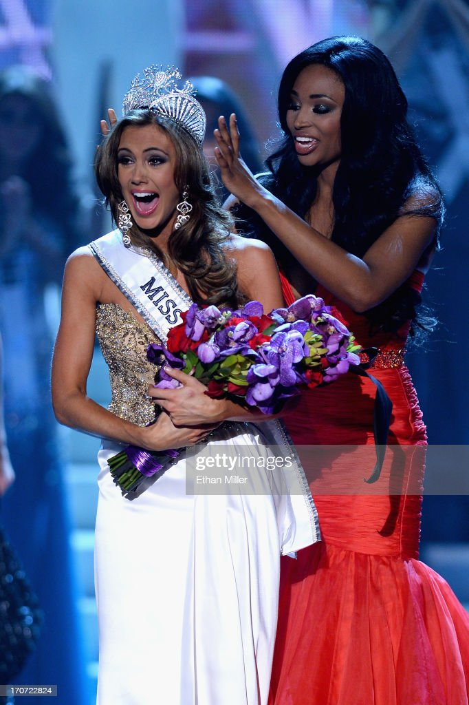 Miss USA 2012 <a gi-track='captionPersonalityLinkClicked' href=/galleries/search?phrase=Nana+Meriwether&family=editorial&specificpeople=4594046 ng-click='$event.stopPropagation()'>Nana Meriwether</a> crowns Miss Connecticut USA Erin Brady the new Miss USA during the 2013 Miss USA pageant at PH Live at Planet Hollywood Resort & Casino on June 16, 2013 in Las Vegas, Nevada.
