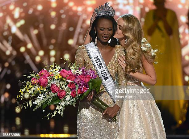 Miss USA 2015 Olivia Jordan kisses Miss District of Columbia USA 2016 Deshauna Barber after crowning her Miss USA 2016 during the 2016 Miss USA...