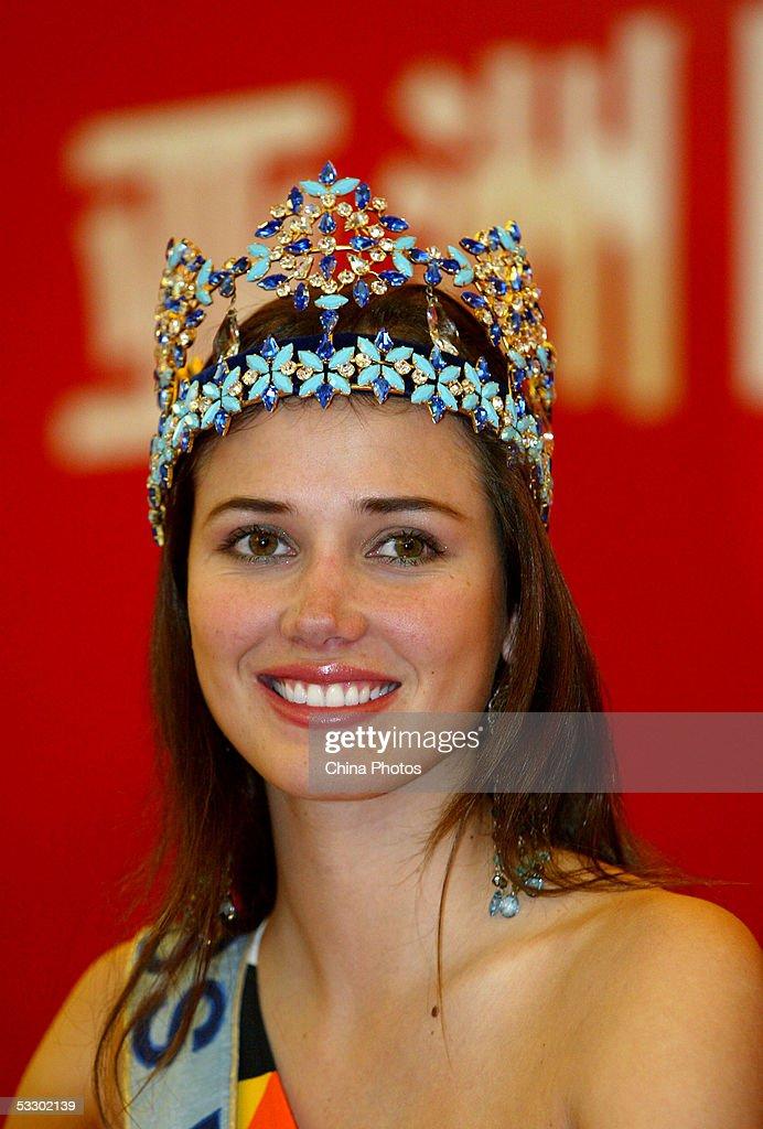 Miss World 2004, <b>Maria Julia</b> Garcia Mantilla of Peru attends a press ... - miss-world-2004-maria-julia-garcia-mantilla-of-peru-attends-a-press-picture-id53302139
