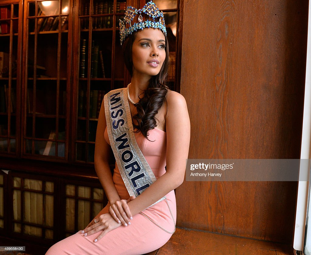 Miss World, <a gi-track='captionPersonalityLinkClicked' href=/galleries/search?phrase=Megan+Young&family=editorial&specificpeople=7864923 ng-click='$event.stopPropagation()'>Megan Young</a> attends a photocall for Miss World 2014 on November 25, 2014 in London, England.