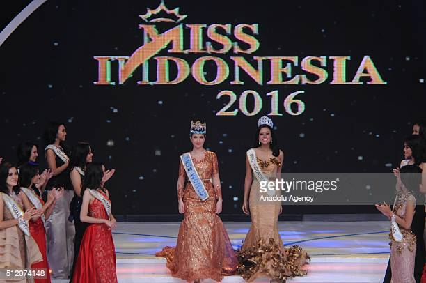 Miss World Mireia Lalaguna from Spain accompanied by Miss Indonsia 2015 Maria Harfanti attends the grand final of the Miss Indonesia 2016 beauty...