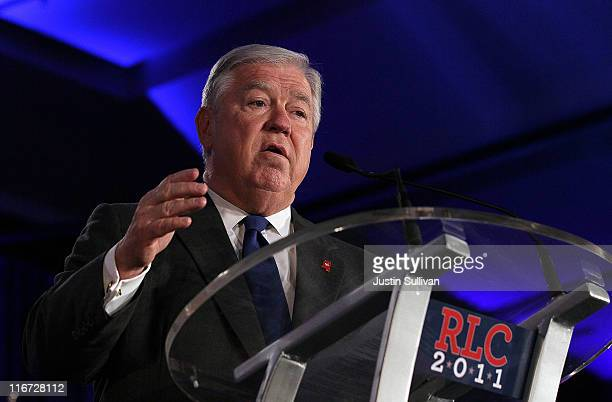 Mississippi Gov Haley Barbour speaks during the 2011 Republican Leadership Conference on June 17 2011 in New Orleans Louisiana The 2011 Republican...