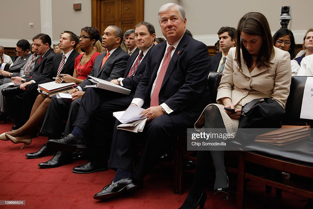 Mississippi Governor Haley Barbour Utah Governor Gary Herbert and Massachusetts Governor Deval Patrick prepare to testify to the House Energy...