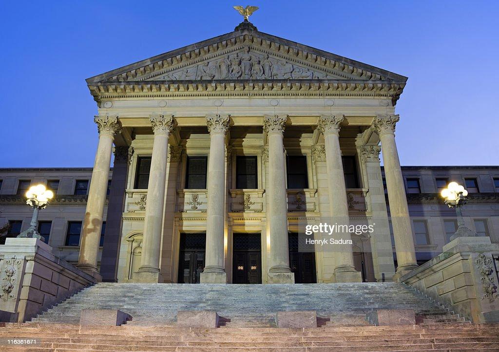 USA, Mississippi, Jackson, Entrance of State Capitol
