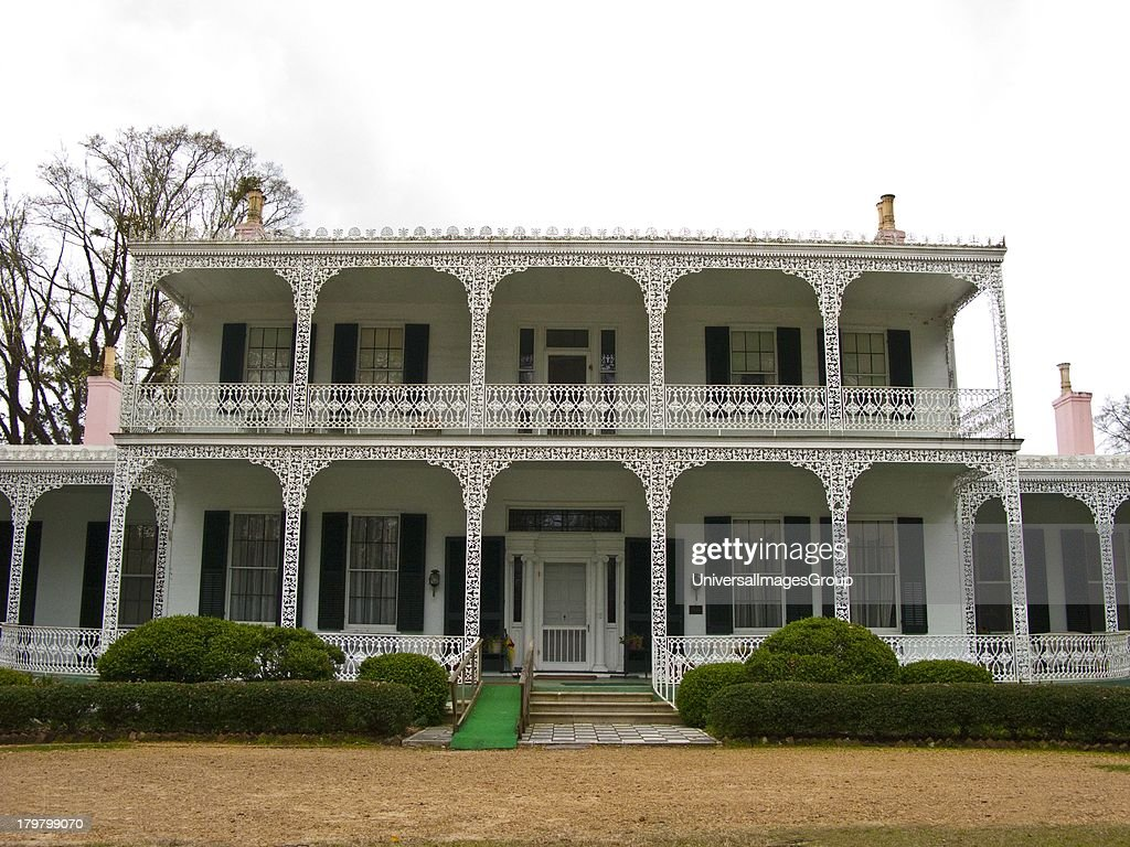 Mississippi Natchez Elms Court outstanding suburban villa with collection of unusual furnishings 18351840