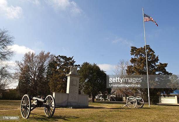 Mississippi Natchez Trace Parkway Tupelo National Battlefield Civil War Canon and Monument