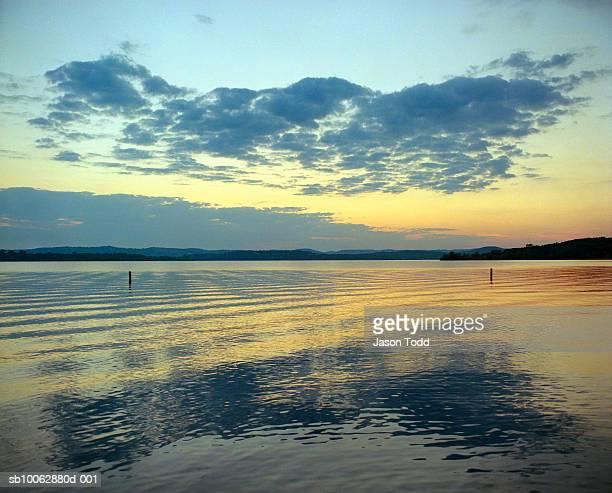 USA, Missouri, Branson, Table Lake at sunset