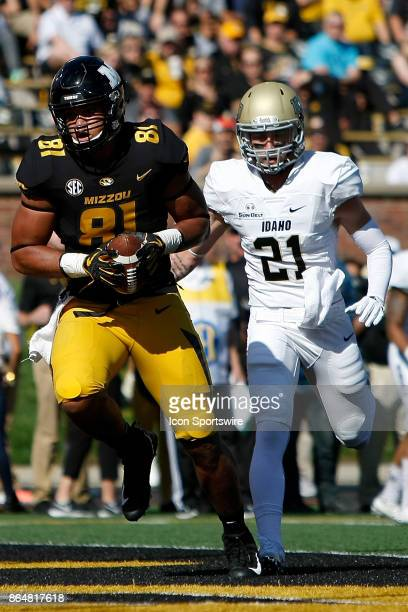 Missouri Tigers tight end Albert Okwuegbunam scores a touchdown infant of Idaho Vandals defensive back Jordan Grabski during the first half of a...