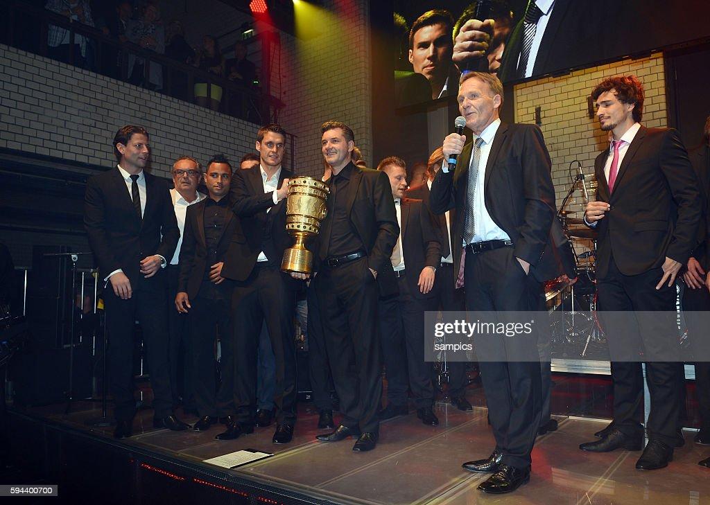 mit DFB POkal double Sieger Hans Joachim Watzke Sebastian Kehl Borussia Dortmund und Michael Zorc Borussia Dortmund Party DFB Cup Finale DFB Pokal...