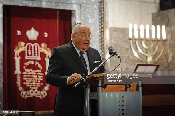 Mit einer Gedenkstunde erinnert die Synagogengemeinde Saar an den 75 Jahrestag der Pogromnacht vom 9/10 November 1938 Im Bild Richard Bermann...