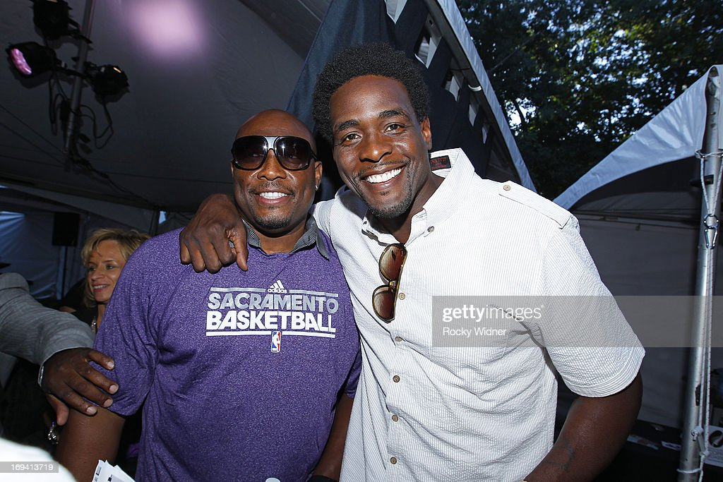 Mitch Richmond and Chris Webber pose for a photo at the Kings Rally on May 23, 2013 in Sacramento, California.