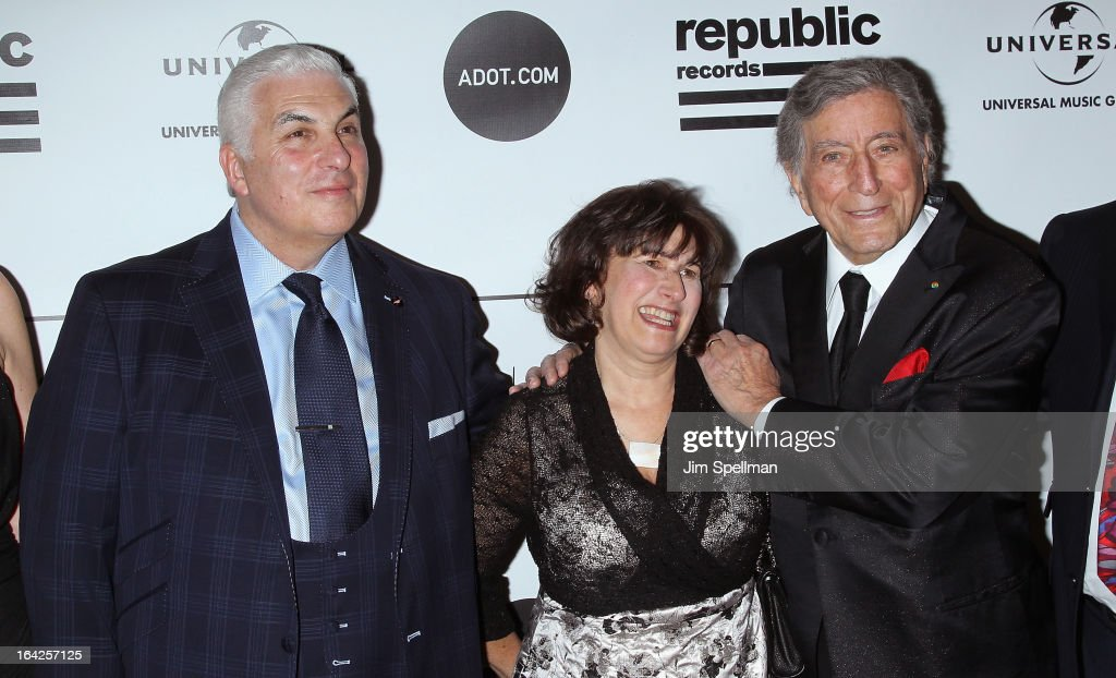 Mitch Winehouse, Janis Winehouse Collins, and <a gi-track='captionPersonalityLinkClicked' href=/galleries/search?phrase=Tony+Bennett+-+Singer&family=editorial&specificpeople=160951 ng-click='$event.stopPropagation()'>Tony Bennett</a> attends the 2013 Amy Winehouse Foundation Inspiration Awards and Gala at The Waldorf=Astoria on March 21, 2013 in New York City.