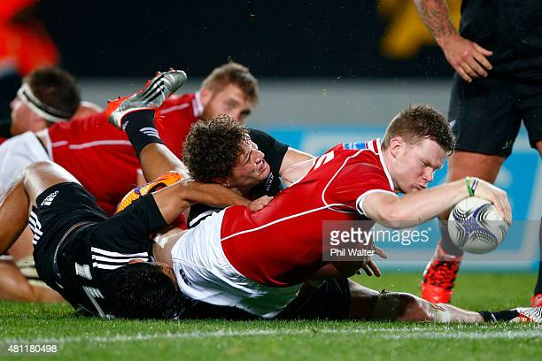 Mitchell Drummond of the Barbarians scores a try during the match between the New Zealand Maori All Blacks and the New Zealand Barbarians at Eden...