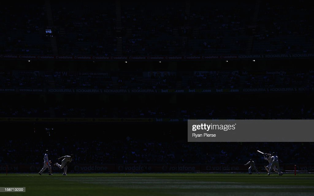Mitchell Johnson of Australia bowls during day one of the Second Test match between Australia and Sri Lanka at the Melbourne Cricket Ground on December 26, 2012 in Melbourne, Australia.